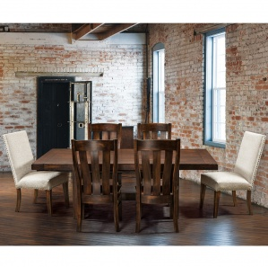 Chesterton Amish Dining Room Set