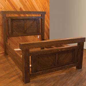 Indian Creek Panel Amish Bed