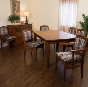 Christy Amish Dining Room Set