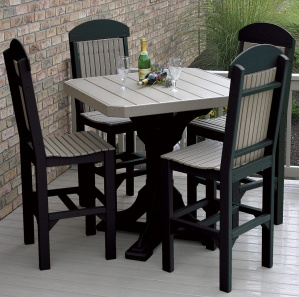 Glade Haven Square Outdoor Table Set