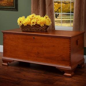 Yorktown Cherry Blanket Box