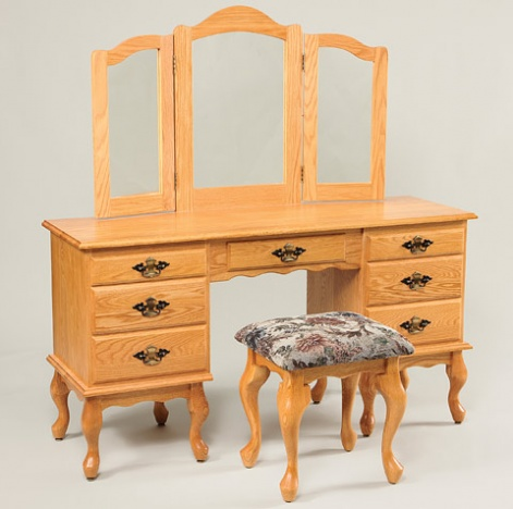 """56"""" Queen Anne Dressing Table with Mirror and Stool"""